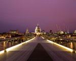 Obrázek - Pohled na fialové město