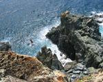 Obrázek - Pohled dolů na útesy