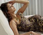 Obrázek - Aishwarya Rai na bílém sofa
