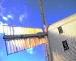 Obrázek - Sluncem ozářený větrný mlýn