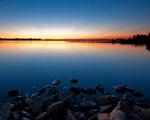 Obrázek - Chvíle po západu slunce za jezerem