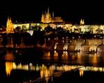 Obrázek - Noční pohled na Hradčany v Praze