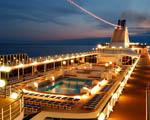Obrázek - Osvětlená paluba zaoceánské lodi