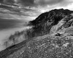 Obrázek - Zahalené údolí v mlze