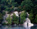 Obrázek - Skryté skály u jezera