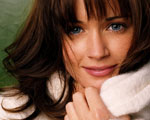 Obrázek - Alexis Bledel a bílý teplý svetr