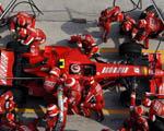Obrázek - Pohled na závodní box Ferrari