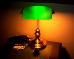 Obrázek - Lampička na nočním stolku