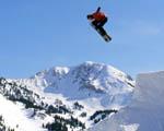 Obrázek - Snowboarder a velký výskok