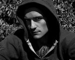 Obrázek - Orlando Bloom v kapuci
