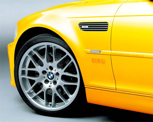 Obrázek na plochu v rozlišení 1280 x 1024 - BMW M5 žluté