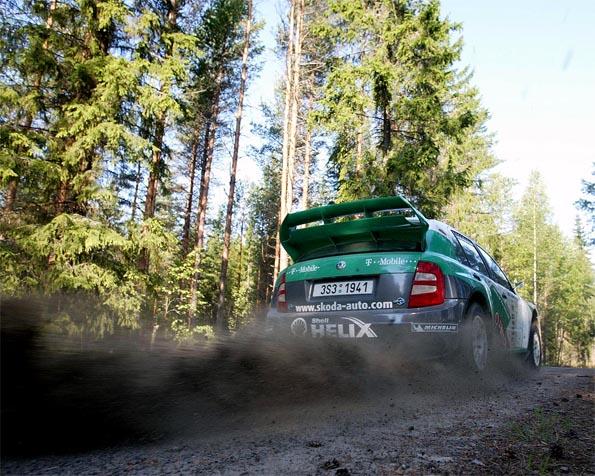 Obrázek na plochu v rozlišení 1280 x 1024 - Škoda Fabia WRC testování ve Finsku