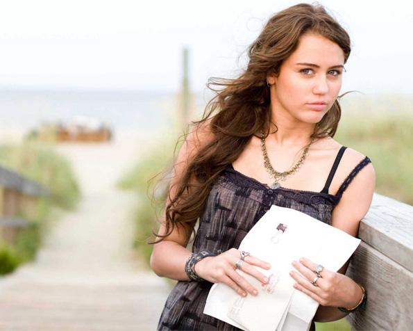 Obrázek na plochu v rozlišení 1280 x 1024 - Milujeme Miley Cyrus