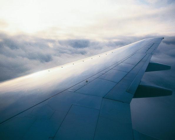Obrázek na plochu v rozlišení 1280 x 1024 - Křídlo dopravního letadla