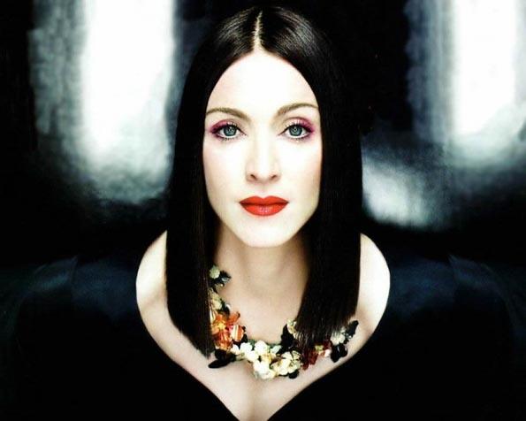 Volba: tapeta v rozlišení 1280 x 1024 - Madonna