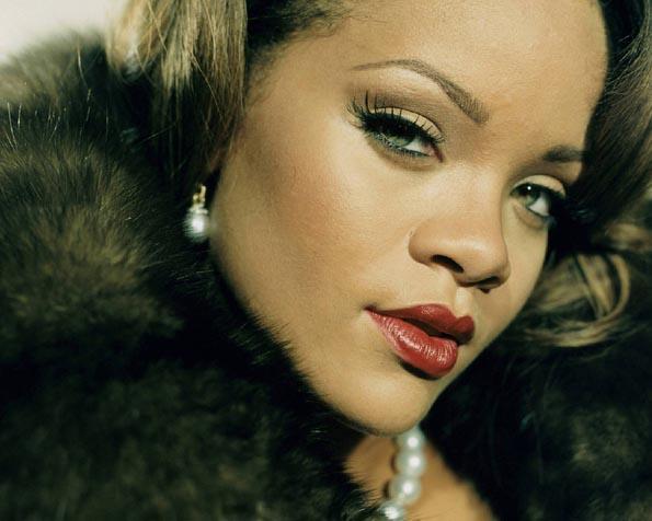 Volba: tapeta v rozlišení 1280 x 1024 - Elegantní Rihanna