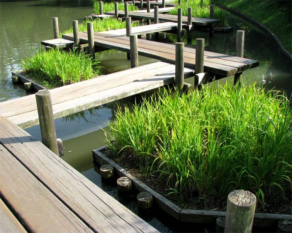 Volba: tapeta v rozlišení 1280 x 1024 - Cik cak dock v Japonské zahradě