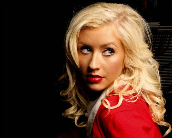 Volba: tapeta v rozlišení 1280 x 1024 - Christina Aguilera v červeném