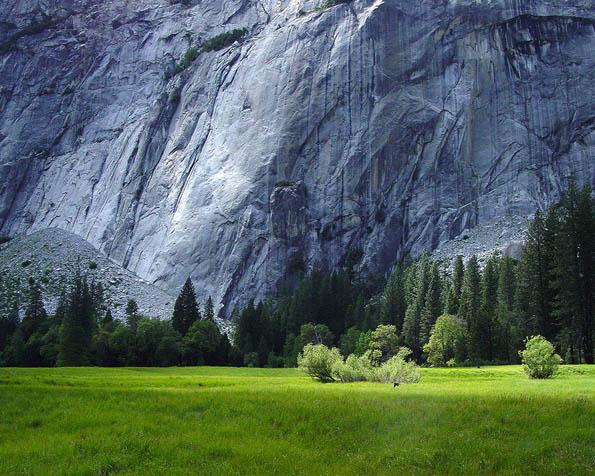 Obrázek na plochu v rozlišení 1280 x 1024 - Alpská stěna
