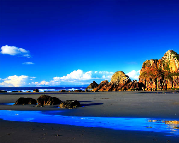 Volba: tapeta v rozlišení 1280 x 1024 - Azurové pobřeží
