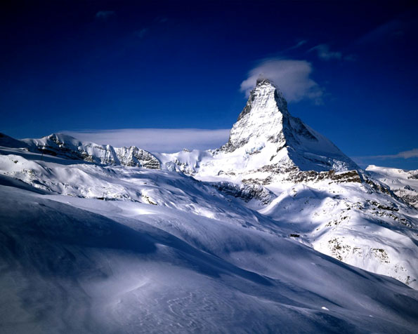 Obrázek na plochu v rozlišení 1280 x 1024 - Majestátní pohled na Matterhorn