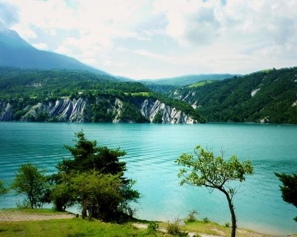 Obrázek na plochu v rozlišení 1280 x 1024 - Ostrovní hory v plné kráse