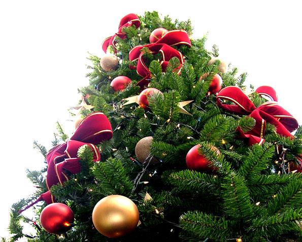 Obrázek na plochu v rozlišení 1280 x 1024 - Ozdobený vánoční stromek