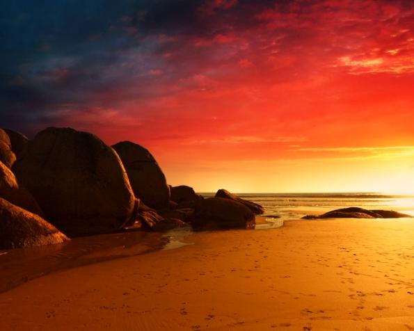 Obrázek na plochu v rozlišení 1280 x 1024 - Pláž v jednom ohni