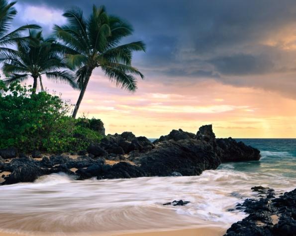 Obrázek na plochu v rozlišení 1280 x 1024 - Jedná utajená pláž