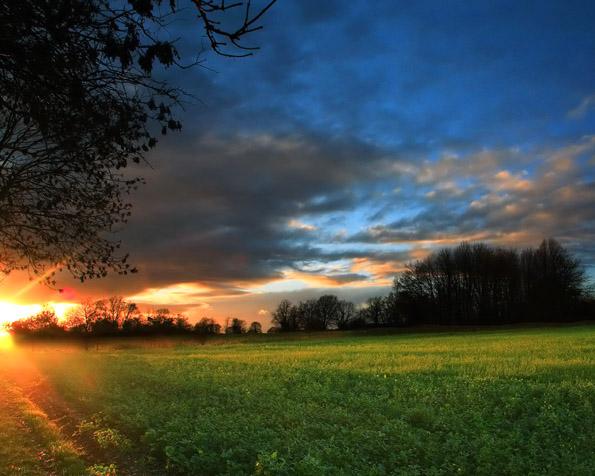 Volba: tapeta v rozlišení 1280 x 1024 - Úžasný západ slunce