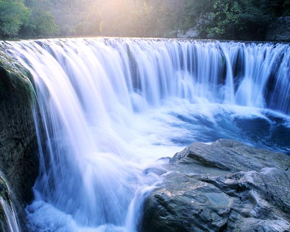 Obrázek na plochu v rozlišení 1280 x 1024 - Levné letenky k báječným vodopádům