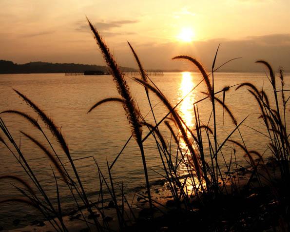 Obrázek na plochu v rozlišení 1280 x 1024 - Ideální západ slunce