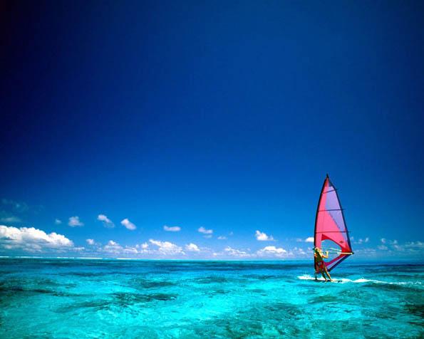 Obr�zek na plochu v rozli�en� 1280 x 1024 - Windsurfing Bora Bora Francouzsk� Polyn�sie