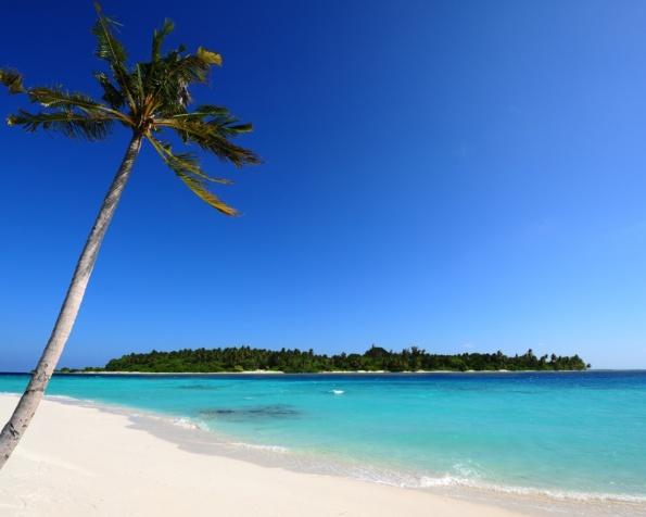 Obr�zek na plochu v rozli�en� 1280 x 1024 - Maledivy a bl�zk� pl�e