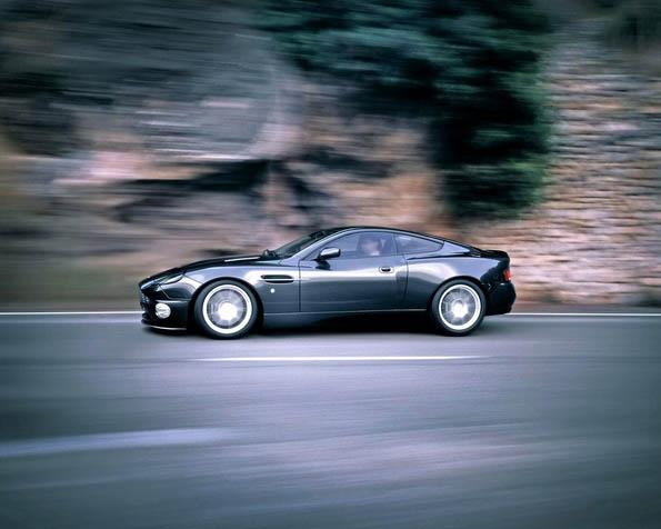 Volba: tapeta v rozlišení 1280 x 1024 - Aston Martin 9