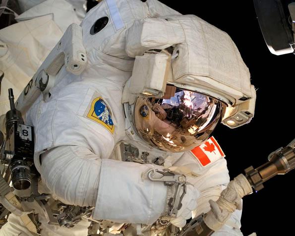 Volba: tapeta v rozlišení 1280 x 1024 - Astronaut