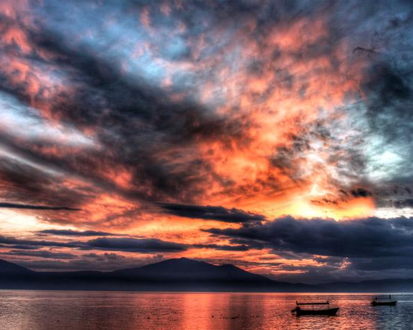 Obr�zek na plochu v rozli�en� 1280 x 1024 - Jezero Chapalajalisco v Mexiku