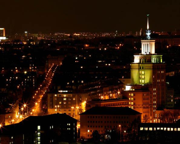 Obrázek na plochu v rozlišení 1280 x 1024 - Noční město