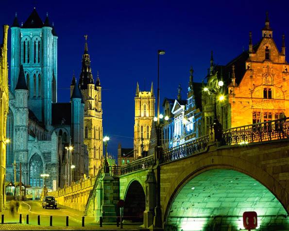 Obrázek na plochu v rozlišení 1280 x 1024 - Večer v Belgickém Ghentu