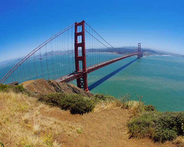 Obrázek na plochu v rozlišení 1280 x 1024 - Pohled na most Golden Gate v San Francisku