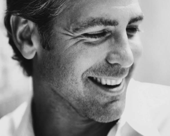 Obrázek na plochu v rozlišení 1280 x 1024 - George Clooney v bílém