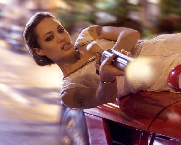Volba: tapeta v rozlišení 1280 x 1024 - Angelina Jolie Wanted