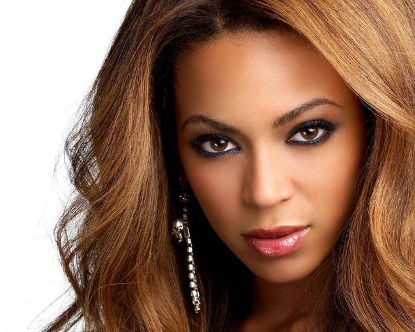 Volba: tapeta v rozlišení 1280 x 1024 - Beyonce v detailu