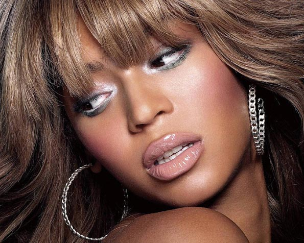 Obrázek na plochu v rozlišení 1280 x 1024 - Beyonce