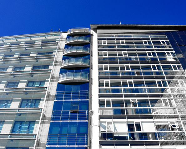 Obrázek na plochu v rozlišení 1280 x 1024 - Nemovitost pro banku nebo kanceláře