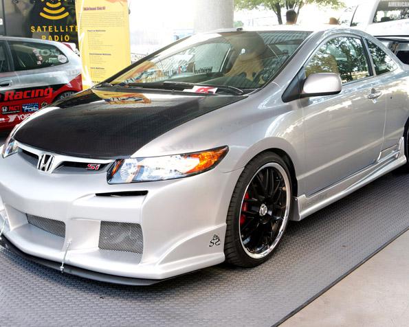 Obrázek na plochu v rozlišení 1280 x 1024 - Honda Civic SI tuning