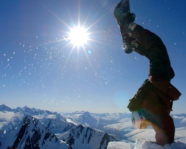 Volba: tapeta v rozlišení 1280 x 1024 - Snowboarding handstand