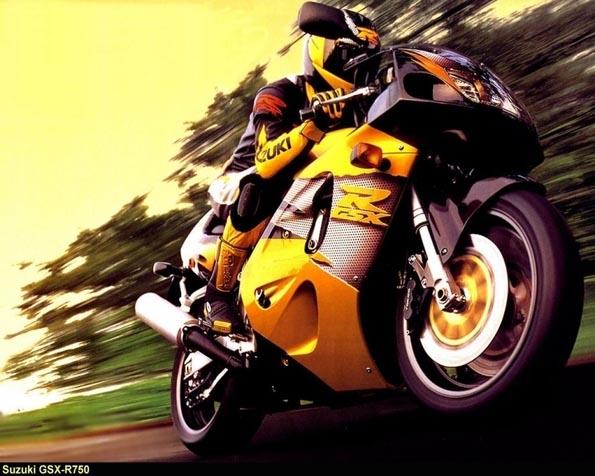 Obrázek na plochu v rozlišení 1280 x 1024 - Suzuki GSX R 750