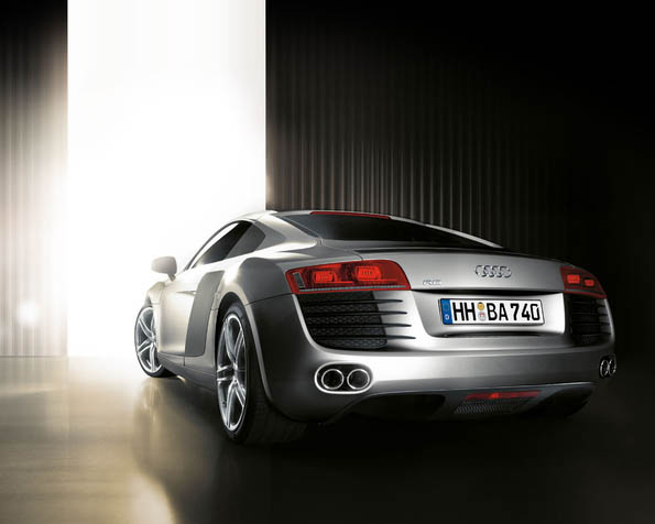 Volba: tapeta v rozlišení 1280 x 1024 - Audi R8 zadní pohled
